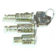 Barrel & Keys-Matched Lock Set (Traveller) Pre.1964